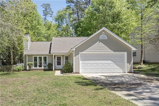 4329 Hounds Run Drive, Matthews, NC 28105 (#3499546) :: Scarlett Real Estate