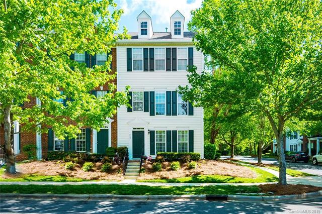 15647 Sir Charles Place, Charlotte, NC 28277 (#3499592) :: The Ramsey Group