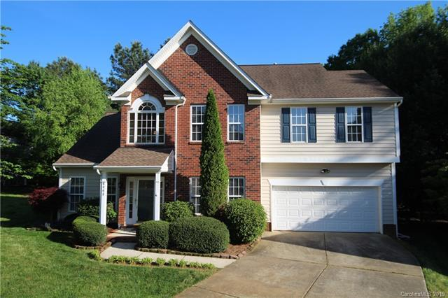 6008 Forest Pond Drive, Charlotte, NC 28262 (#3499702) :: The Ramsey Group