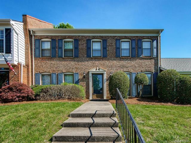 4345 Woodglen Lane, Charlotte, NC 28226 (#3500230) :: Team Honeycutt