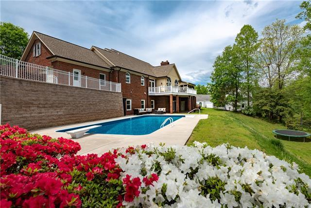 415 Stonecroft Drive SE, Lenoir, NC 28645 (#3500351) :: Besecker Homes Team
