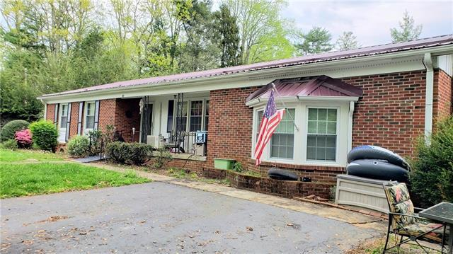 11 Woodland Drive, Mars Hill, NC 28754 (#3500456) :: Rowena Patton's All-Star Powerhouse