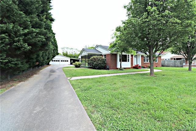 1703 Main Street, Kannapolis, NC 28081 (#3500685) :: Team Honeycutt