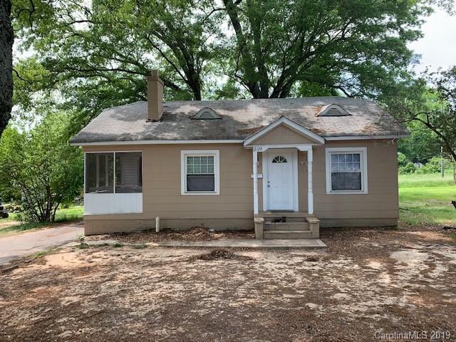 2128 Camp Greene Street, Charlotte, NC 28208 (#3500768) :: High Performance Real Estate Advisors