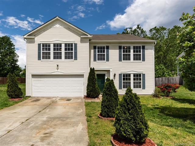 1813 Southwind Drive, Charlotte, NC 28216 (#3500782) :: Caulder Realty and Land Co.