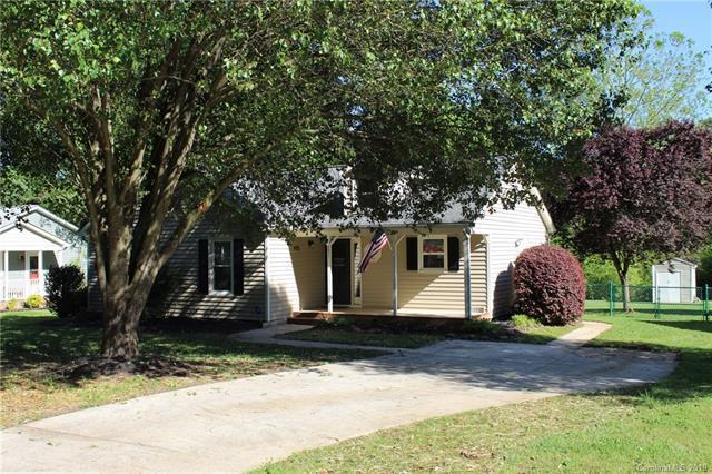 3571 Farm Lake Drive, Concord, NC 28027 (#3500947) :: Mossy Oak Properties Land and Luxury