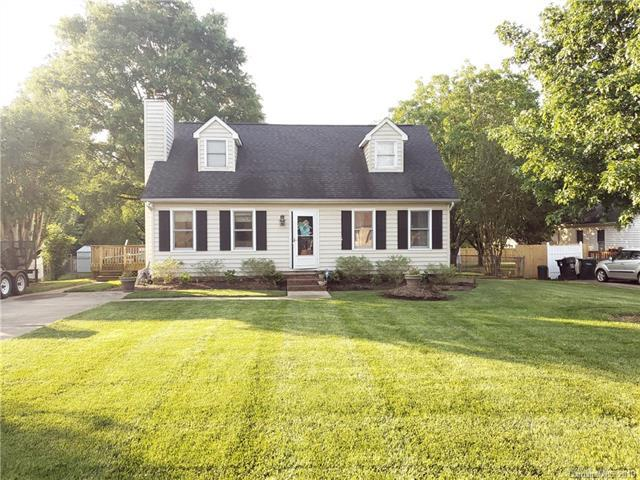 3457 Farm Lake Drive SW, Concord, NC 28027 (#3501494) :: Mossy Oak Properties Land and Luxury