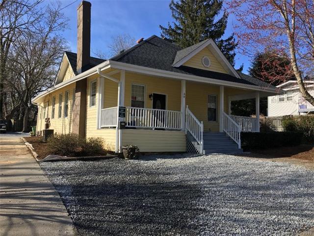 30 Bearcat Boulevard, Hendersonville, NC 28791 (#3501598) :: Washburn Real Estate