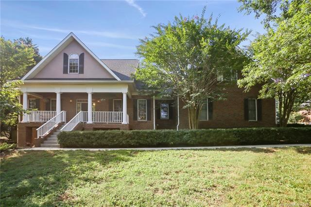 7037 High Meadow Drive, Matthews, NC 28104 (#3502151) :: Charlotte Home Experts