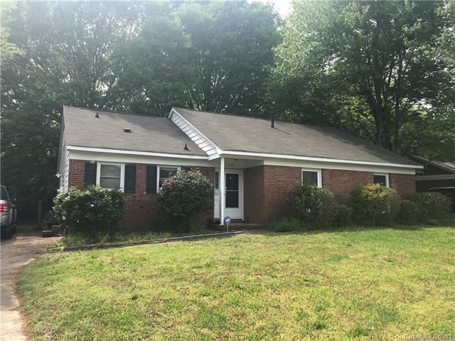 11400 Five Cedars Road, Charlotte, NC 28226 (#3502169) :: Caulder Realty and Land Co.