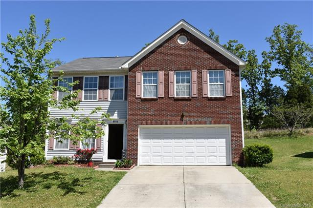 6810 Goldenwillow Drive, Charlotte, NC 28215 (#3502315) :: Odell Realty