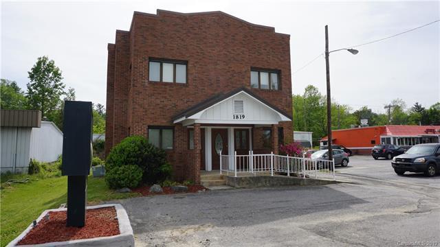 1819 Asheville Highway, Hendersonville, NC 28791 (#3502676) :: Scarlett Real Estate