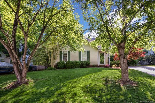 6623 Flat Creek Drive, Charlotte, NC 28277 (#3502711) :: LePage Johnson Realty Group, LLC