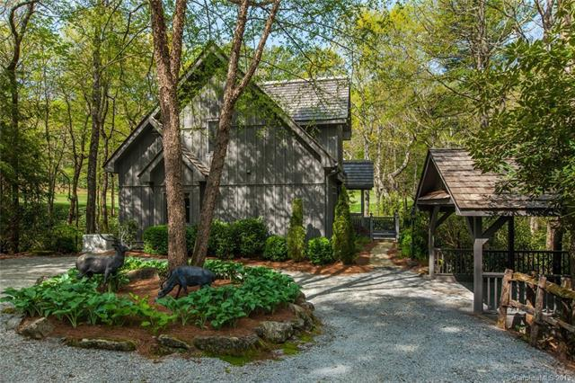 589 Seminole Way, Lake Toxaway, NC 28747 (#3503525) :: Odell Realty