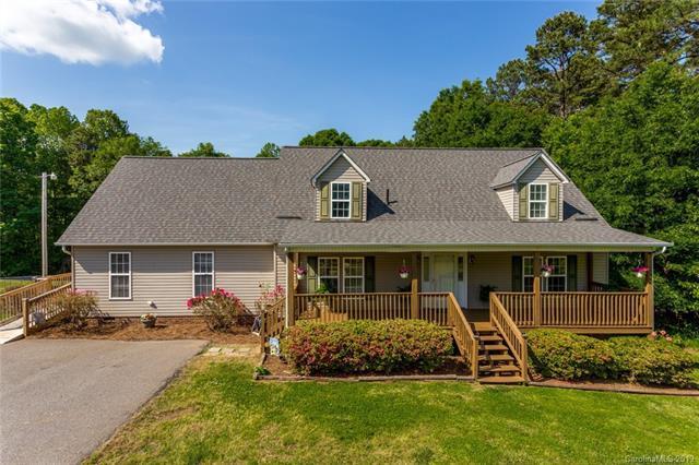 8632 Island Point Road, Sherrills Ford, NC 28673 (#3504695) :: Cloninger Properties