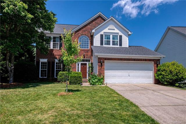 6207 Harburn Forest Drive, Charlotte, NC 28269 (#3505573) :: Odell Realty