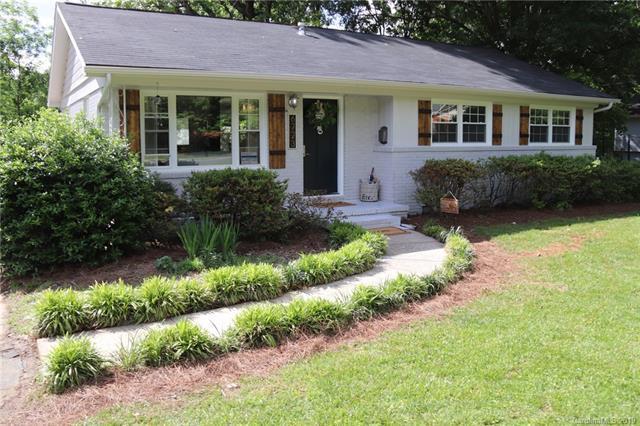 6723 Woodstock Drive, Charlotte, NC 28210 (#3505783) :: LePage Johnson Realty Group, LLC