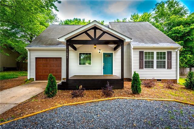 11501 Park Road, Charlotte, NC 28226 (#3505990) :: LePage Johnson Realty Group, LLC