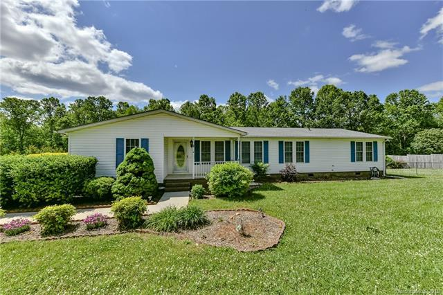 2520 Pinnacle Drive, Catawba, NC 28609 (#3506079) :: LePage Johnson Realty Group, LLC