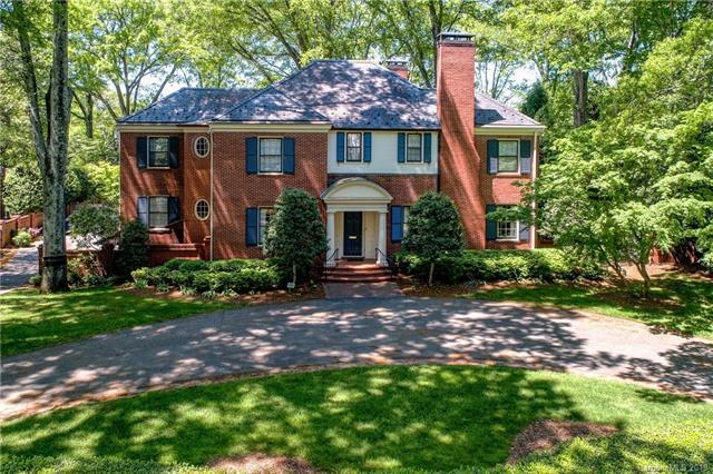 1634 Queens Road W, Charlotte, NC 28207 (#3506098) :: Washburn Real Estate