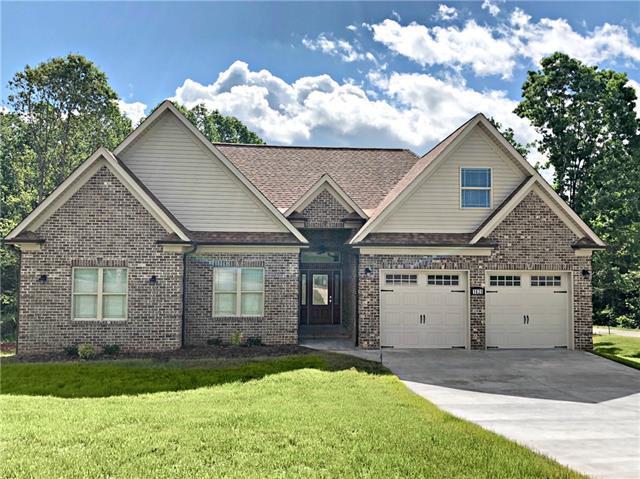 1620 Farmington Hills Drive, Conover, NC 28613 (#3506466) :: Zanthia Hastings Team