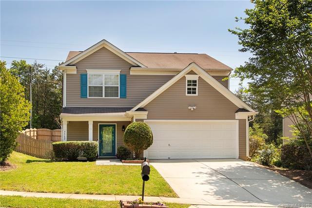 9362 Atlas Cedar Drive, Charlotte, NC 28215 (#3506691) :: Homes Charlotte