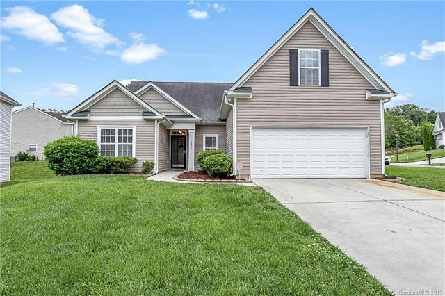 6824 Fortescue Drive, Charlotte, NC 28213 (#3506736) :: Besecker Homes Team