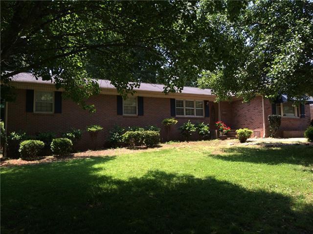 1179 11th St Circle NW, Hickory, NC 28601 (#3506770) :: Washburn Real Estate