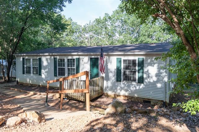 3871 Tower Road, Maiden, NC 28650 (#3507131) :: MECA Realty, LLC
