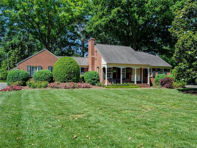 2720 Rothwood Drive, Charlotte, NC 28211 (#3507165) :: Besecker Homes Team