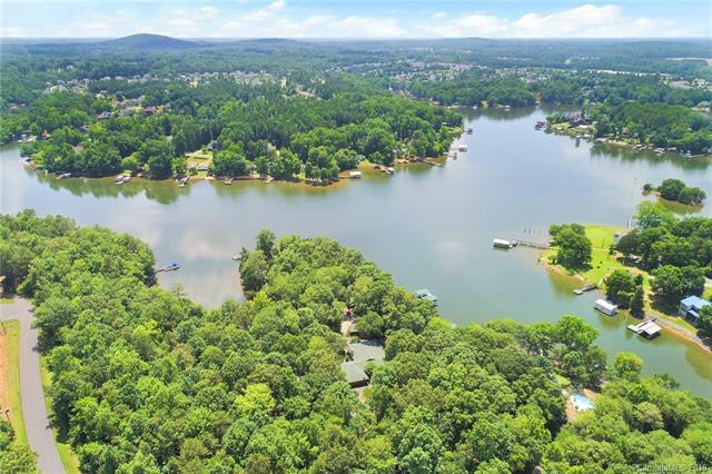 492, 494 Willow Cove Road, Lake Wylie, SC 29710 (#3507234) :: Miller Realty Group