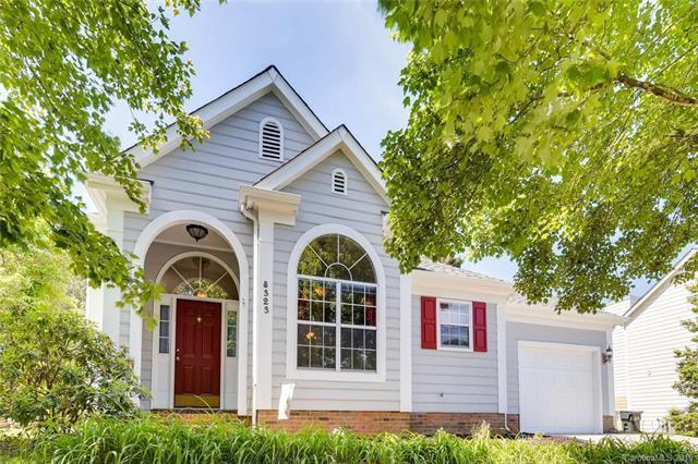 8323 Bedford Green Lane, Charlotte, NC 28215 (#3507368) :: Scarlett Real Estate