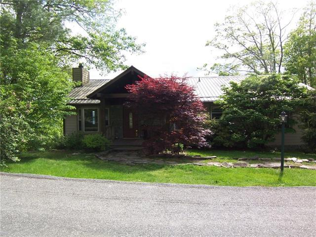 7461 Falcon Ridge Road, Lenoir, NC 28645 (#3507443) :: Rinehart Realty