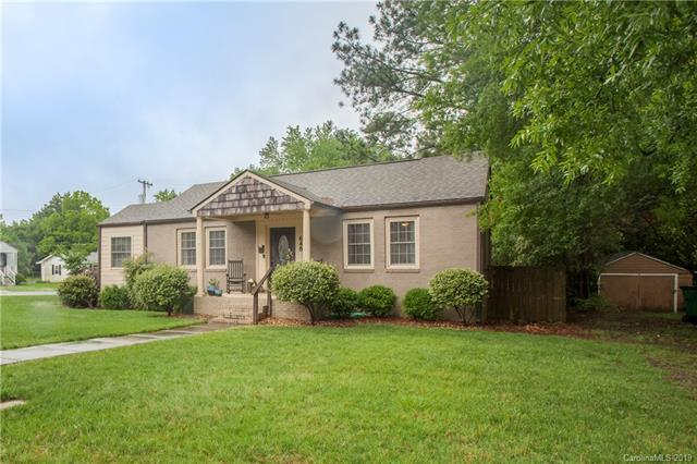 648 Melbourne Court, Charlotte, NC 28209 (#3507582) :: Stephen Cooley Real Estate Group