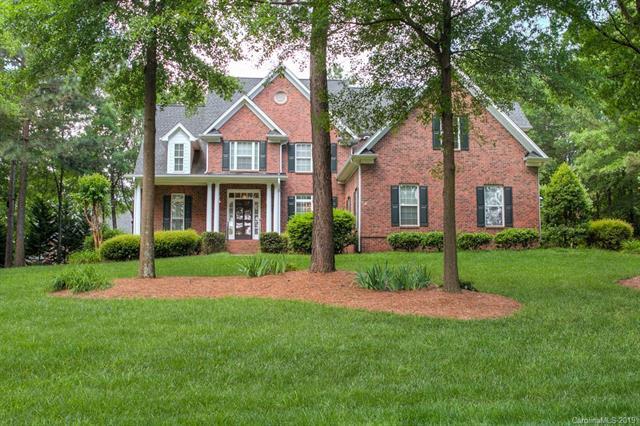 4548 Water Oak Drive, Lake Wylie, SC 29710 (#3507762) :: Homes Charlotte
