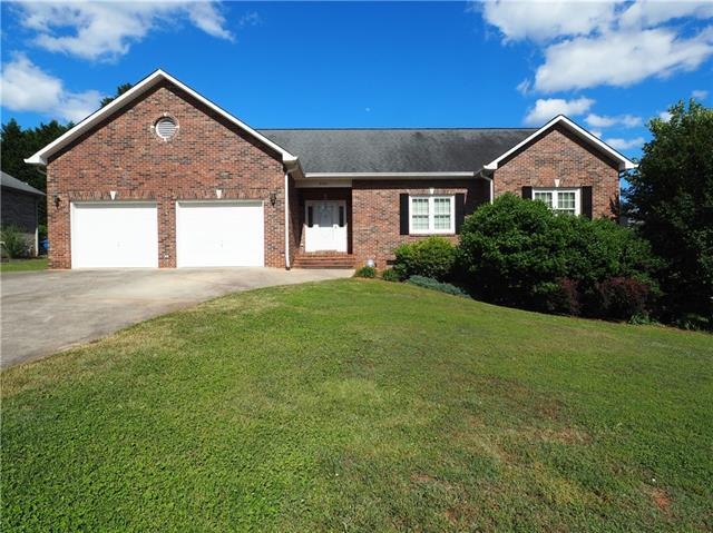 4946 Brookridge Drive, Hickory, NC 28601 (#3507951) :: Team Honeycutt