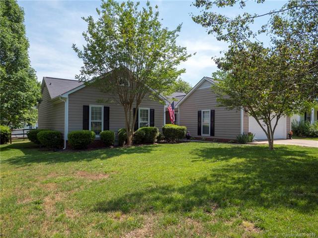 8748 Fieldgate Drive, Charlotte, NC 28277 (#3508252) :: Besecker Homes Team