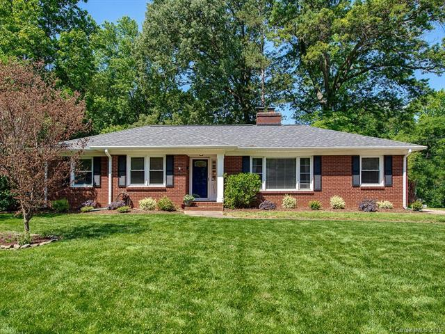 5420 Valley Forge Road, Charlotte, NC 28210 (#3508399) :: Homes Charlotte