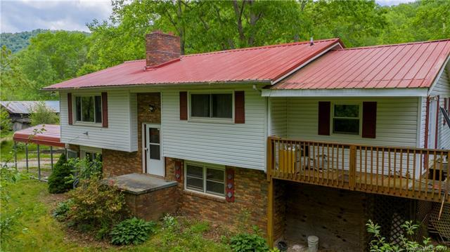 357 Wolf Pen Branch Road, Spruce Pine, NC 28714 (#3508487) :: The Andy Bovender Team