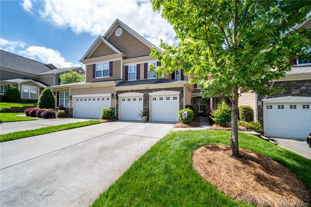 1064 Silver Gull Drive, Tega Cay, SC 29708 (#3508497) :: LePage Johnson Realty Group, LLC