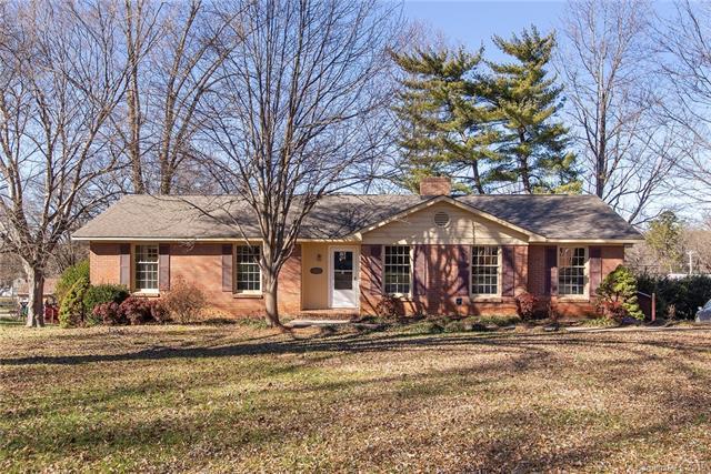 5003 Tewkesbury Road, Charlotte, NC 28269 (#3508612) :: LePage Johnson Realty Group, LLC