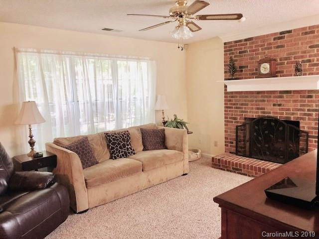 2706 Bathgate Lane, Matthews, NC 28105 (#3508708) :: The Elite Group