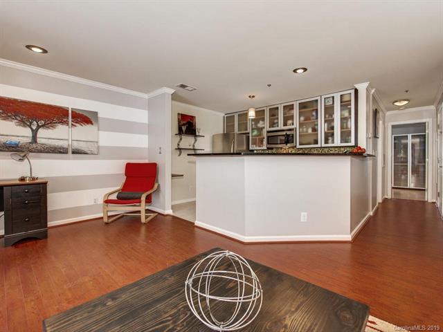 505 N Graham Street 2F, Charlotte, NC 28202 (#3508860) :: Chantel Ray Real Estate