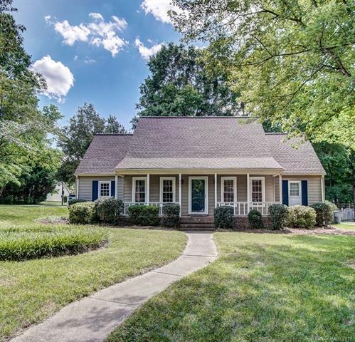 401 Sunnywood Lane, Charlotte, NC 28270 (#3508966) :: David Hoffman Group