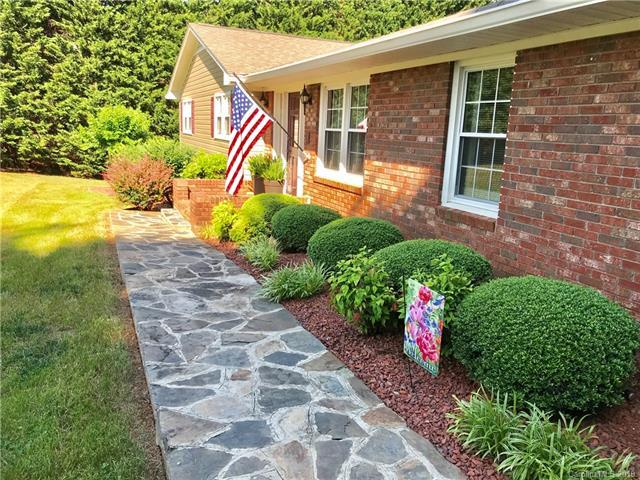 166 Robbins Drive, Forest City, NC 28043 (MLS #3509203) :: RE/MAX Journey