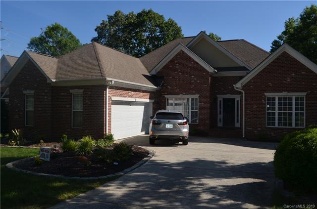 2514 Savannah Hills Drive, Matthews, NC 28105 (#3509265) :: Charlotte Home Experts
