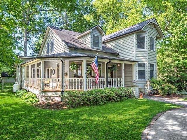 17 S Garden Drive, Fletcher, NC 28732 (#3509336) :: Keller Williams Professionals