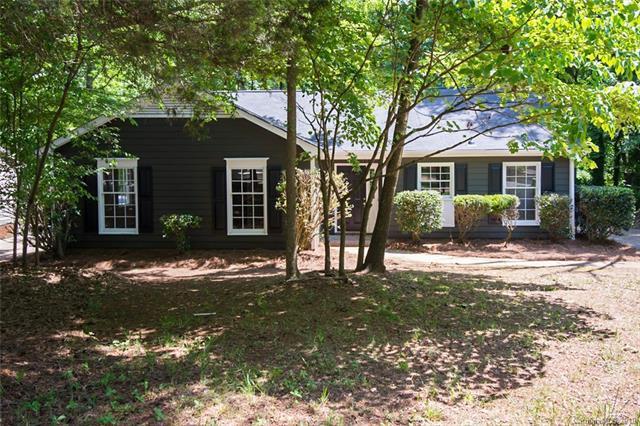 7608 Grayling Court, Charlotte, NC 28227 (#3509359) :: Carolina Real Estate Experts