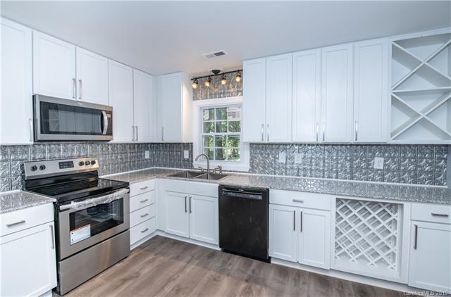 2830 Parkmont Drive, Charlotte, NC 28208 (#3509376) :: Carolina Real Estate Experts