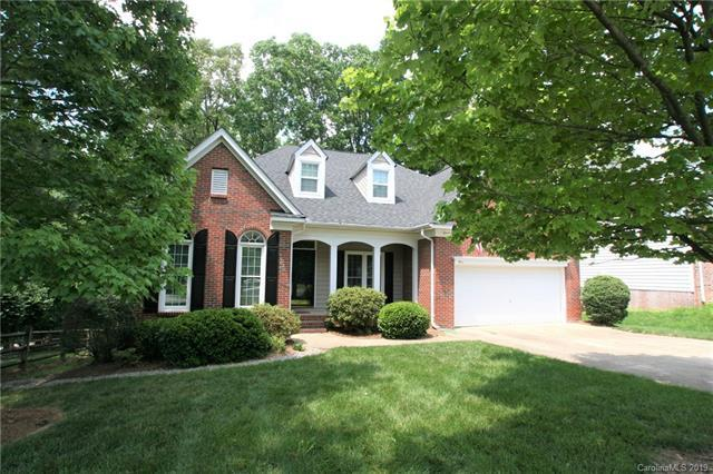 5911 Swanston Drive, Charlotte, NC 28269 (#3509619) :: Odell Realty